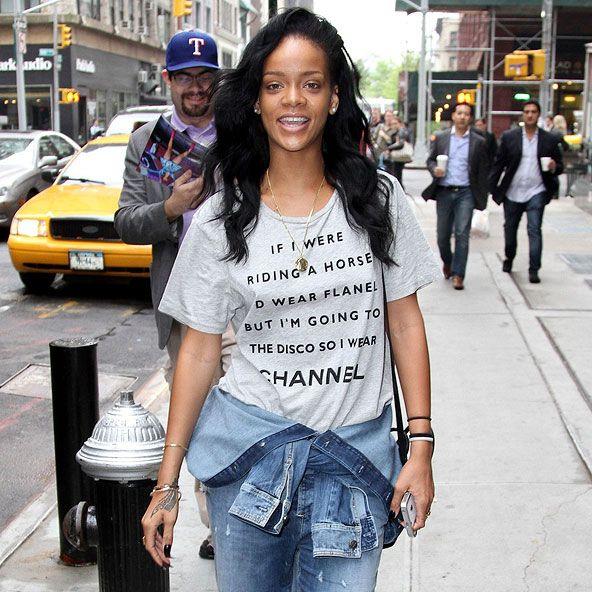 Rihanna shirt met fun quote